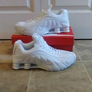 Nike shox nz r4